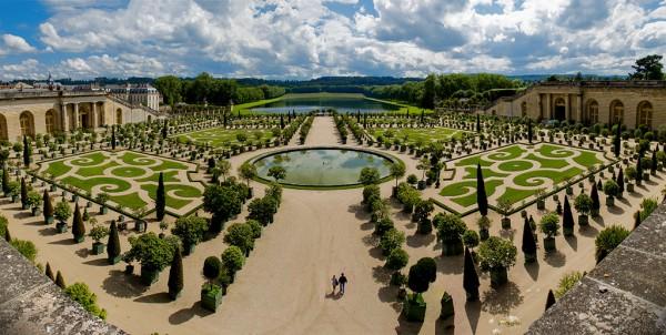 2. Versailles